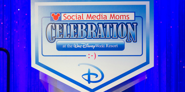 DisneySMMoms sign
