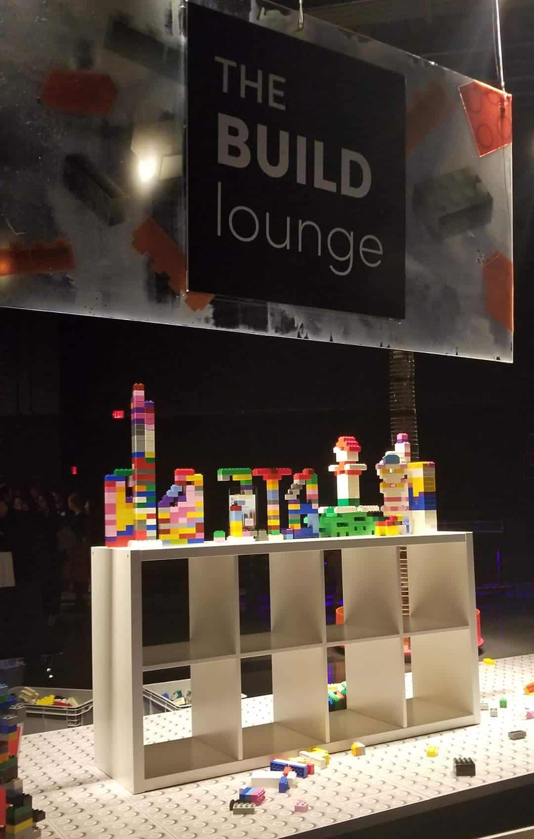 Make your own LEGO creation table