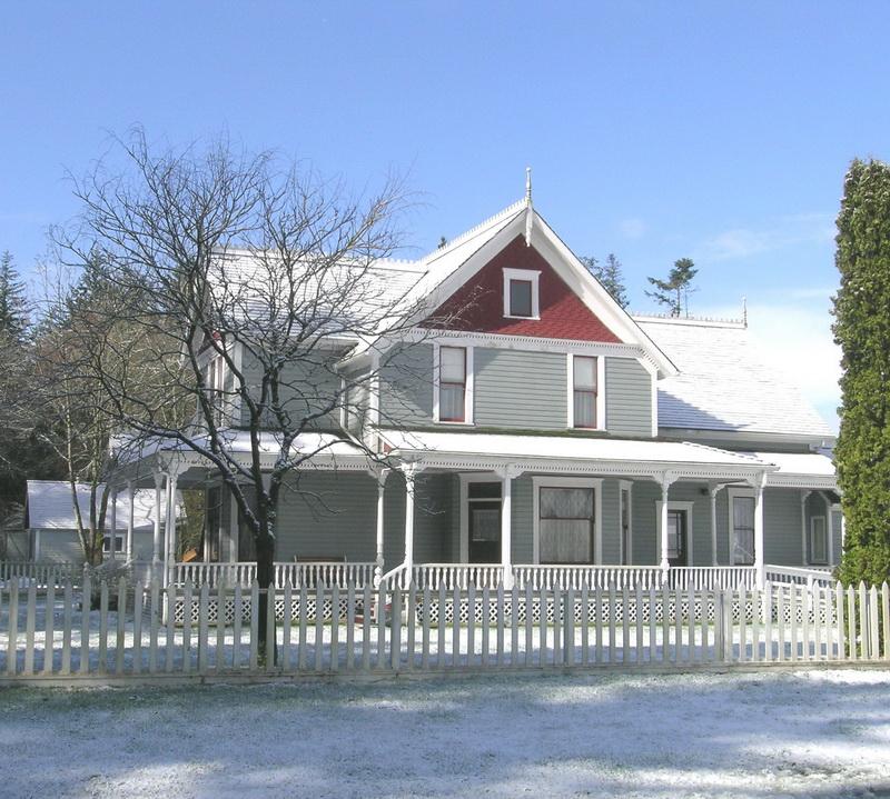 snow_farmhouse-c