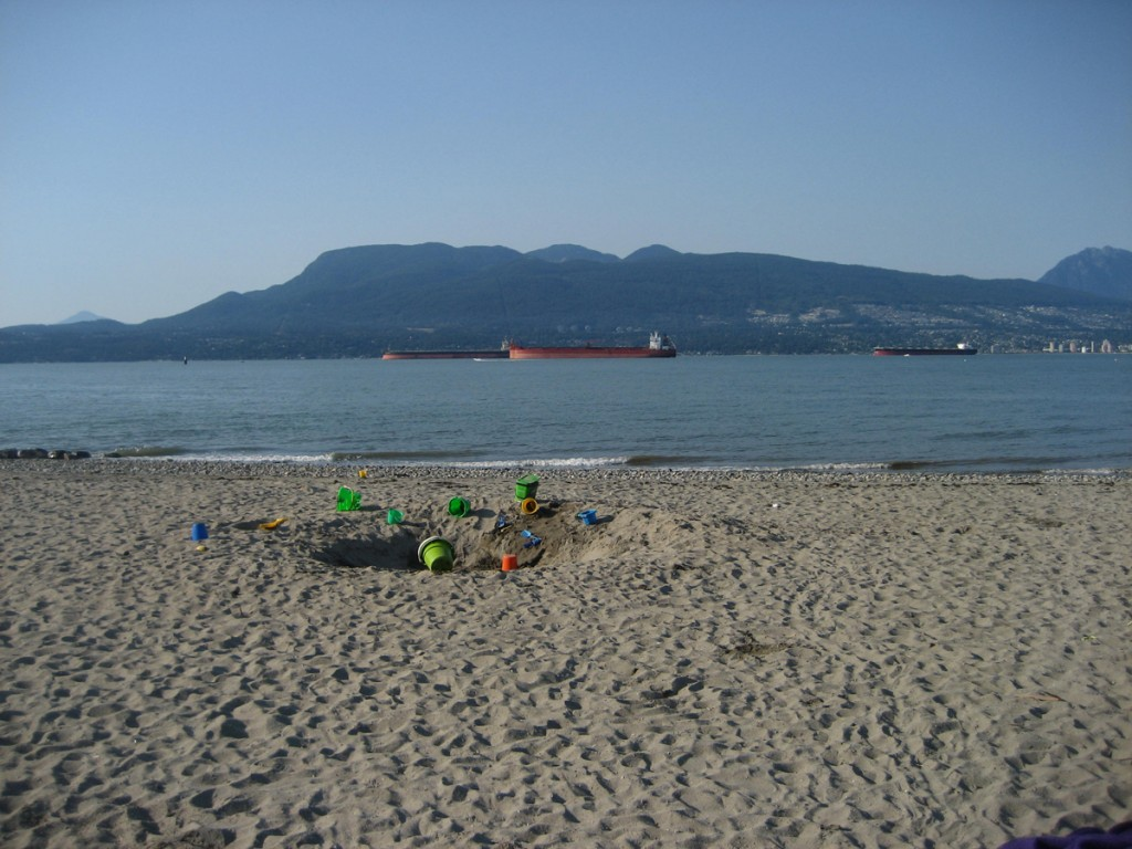 kid-friendly vancouver beaches spanish banks